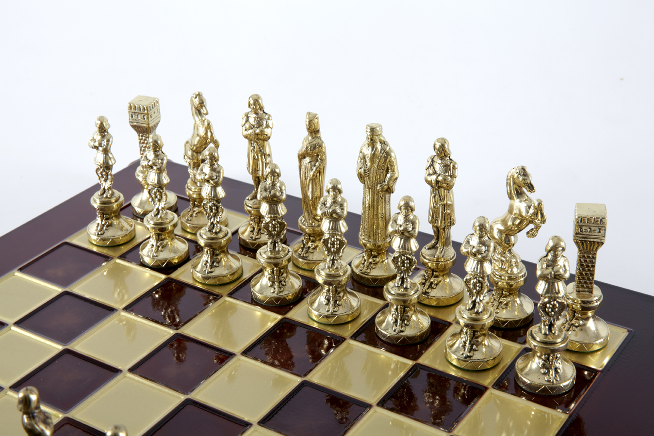 Renaissance chess set with gold-silver chessmen/Red chessboard 36 sm